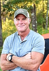"Hall of Fame NFL Quarterback Brett Favre To Host ""Life on the Land"" TV Show"