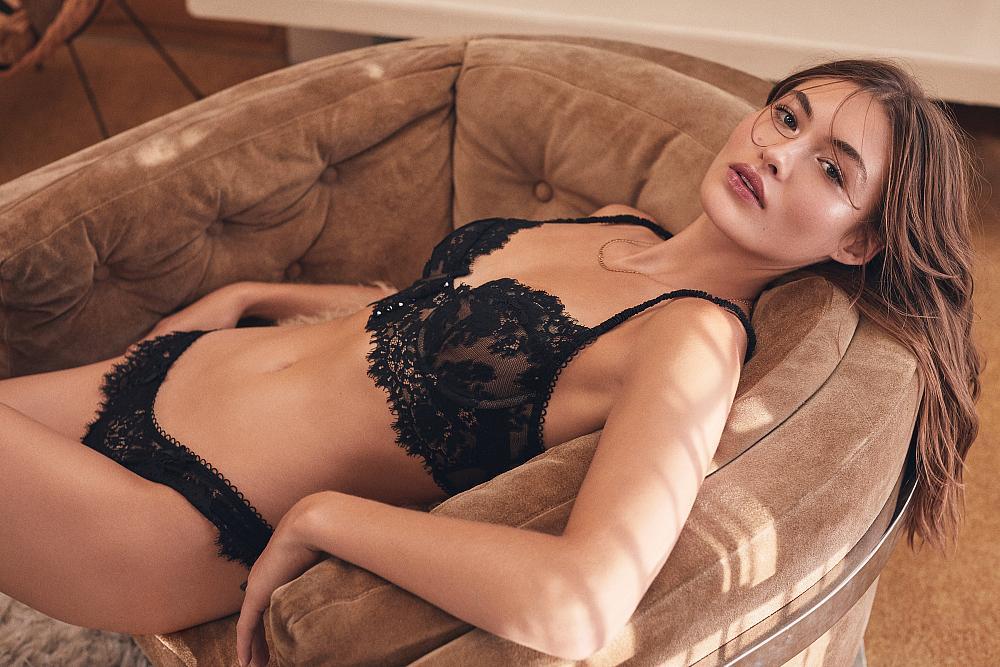 Grace – Faye Lace Underwire Bra & Thong Panty