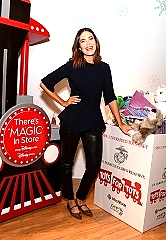 Mandy Moore Kicks off shopDisney.com | Disney store's Toys for Tots Holiday Campaign (Photo by Andrew Toth/Getty Images for Disney)