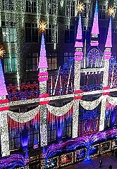 Saks-x-Disneys-Frozen-2-Holiday-Windows-3