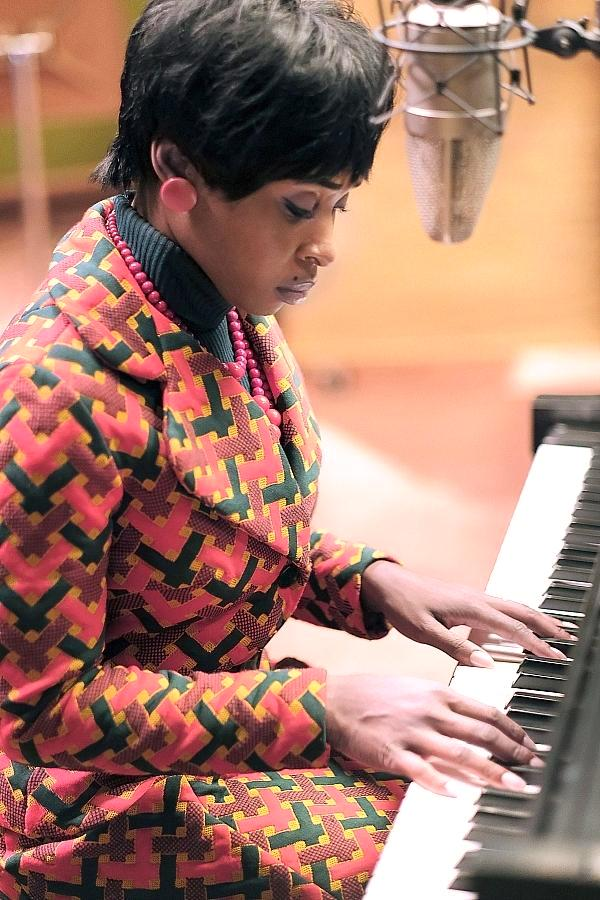 """First Look Photo of Cynthia Erivo as the Queen of Soul in """"Genius: Aretha"""""""