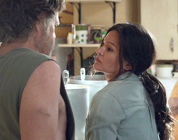 Vanessa Lua opposite William H. Macy - Season 10 Episode 05 'Sparky'