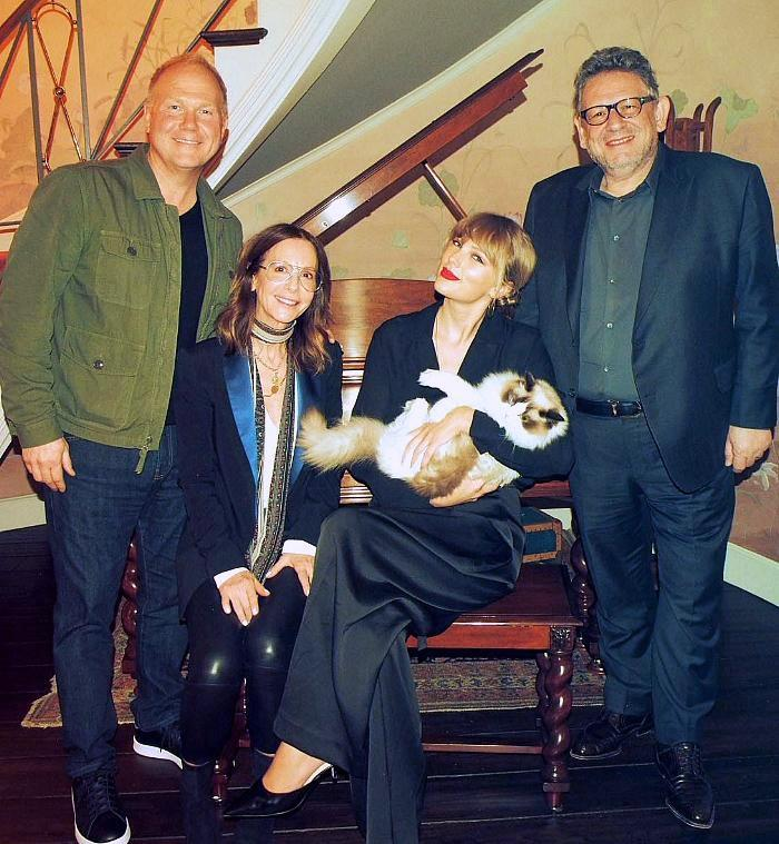 Taylor Swift Signs Exclusive Global Publishing Agreement With Universal Music Publishing Group