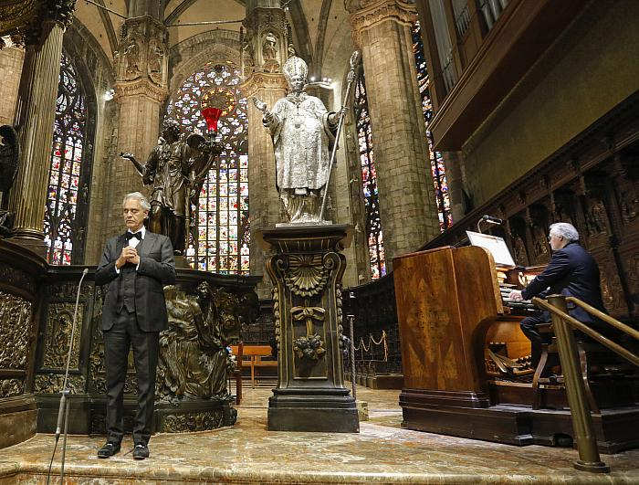 """From the Duomo in Milan Today Andrea Bocelli Presents """"Music for Hope"""" Streamed Worldwide Exclusively on YouTube"""